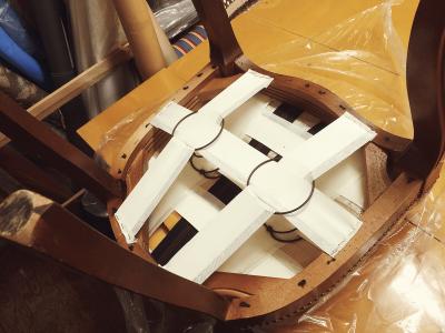 椅子スポンジ・ベルト交換・補強