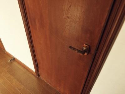 家具の丁番、扉の把手の交換、引出し開閉調整