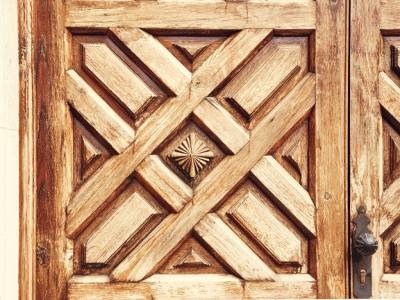 玄関ドアの塗替え・張替え