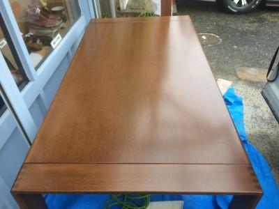 ダイニングテーブルと椅子フレームの塗り替え