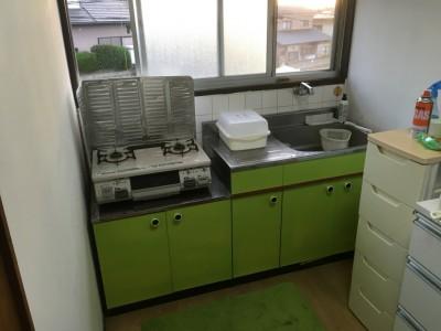 キッチン棚の塗り替え