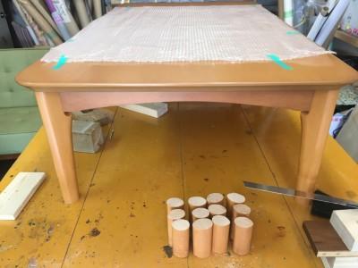 ダイニングテーブルの脚カット